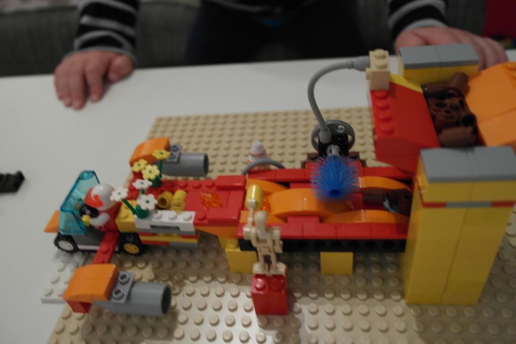 Lego Ostereier Liefermaschine