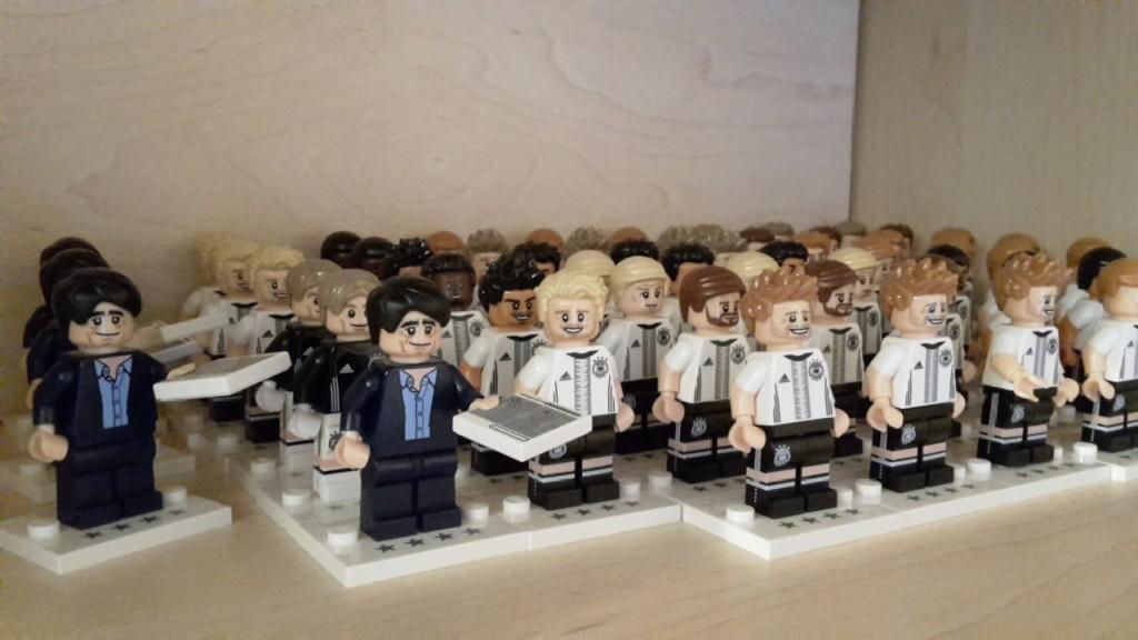 Lego DFB Elf Figuren